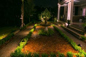 Landscape Lighting 185